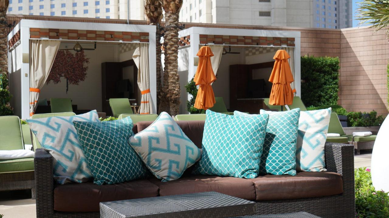 Lounge Area Mandarin Oriental Pool Bar