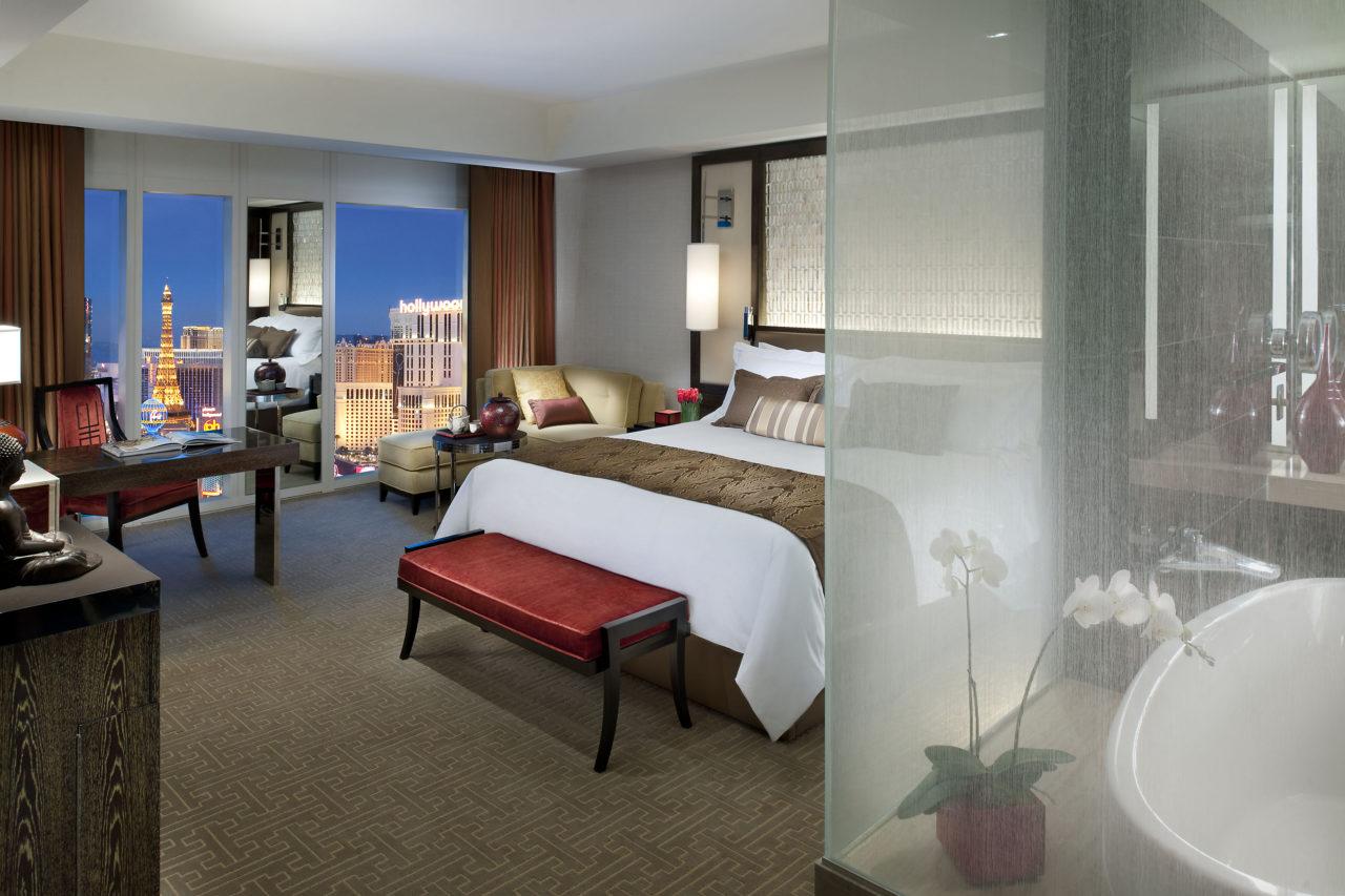 Mandarin Oriental Strip View Room