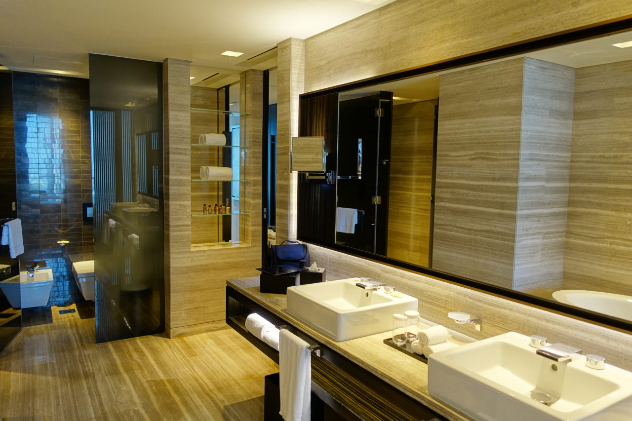 Sheraton Grand Dubai bathroom