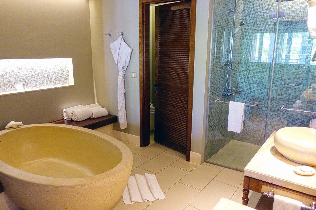 St. Regis Mauritius Bathroom