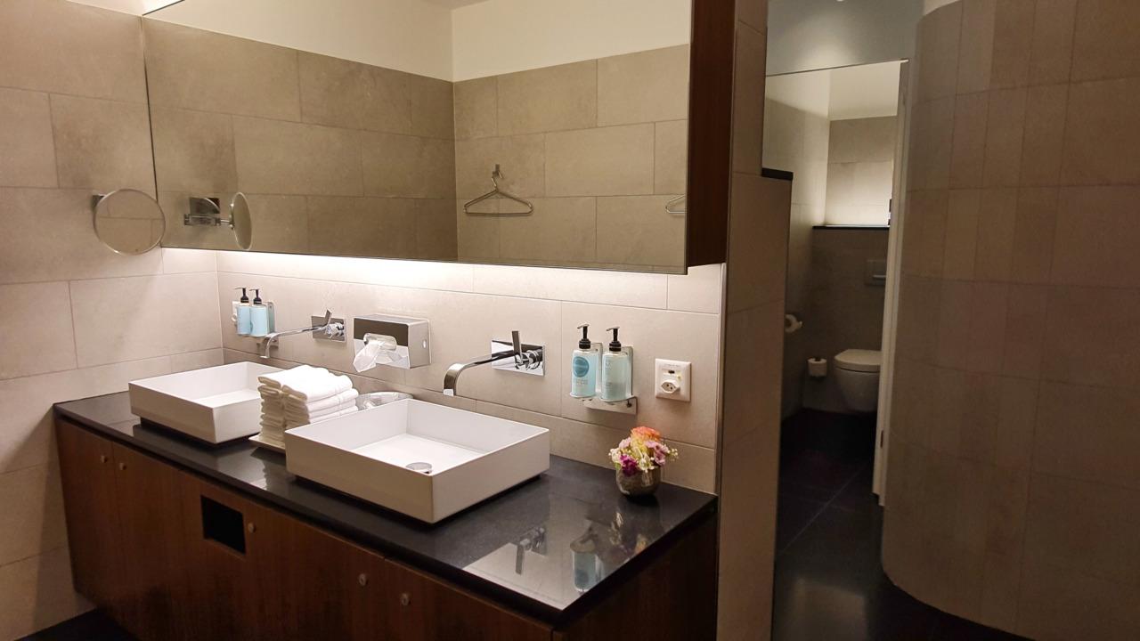 Zurich VIP restroom