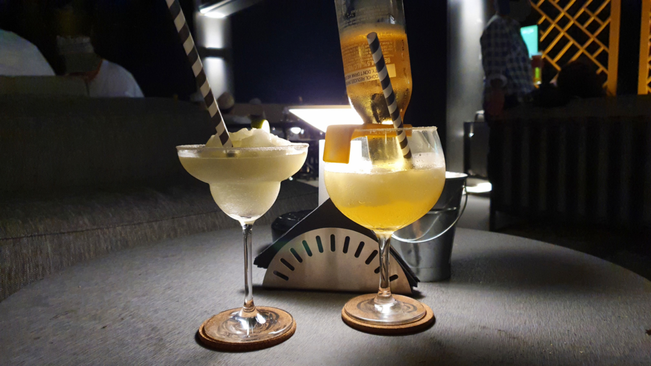 Countdown Sports Lounge Muscat drinks