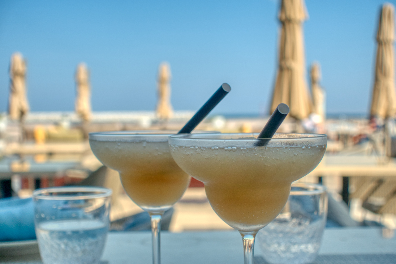 Zale beach club Muscat Margaritas