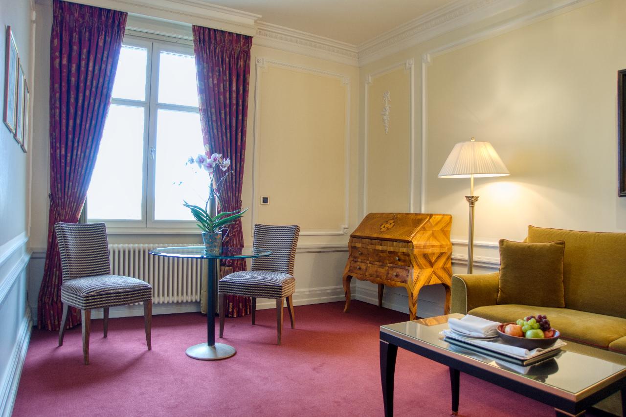Bellevue Palace Bern Deluxe Suite Living Room