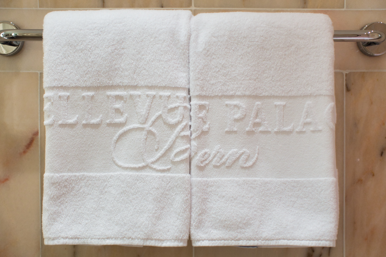 Bellevue Palace Bern Deluxe Suite Bathroom Towels