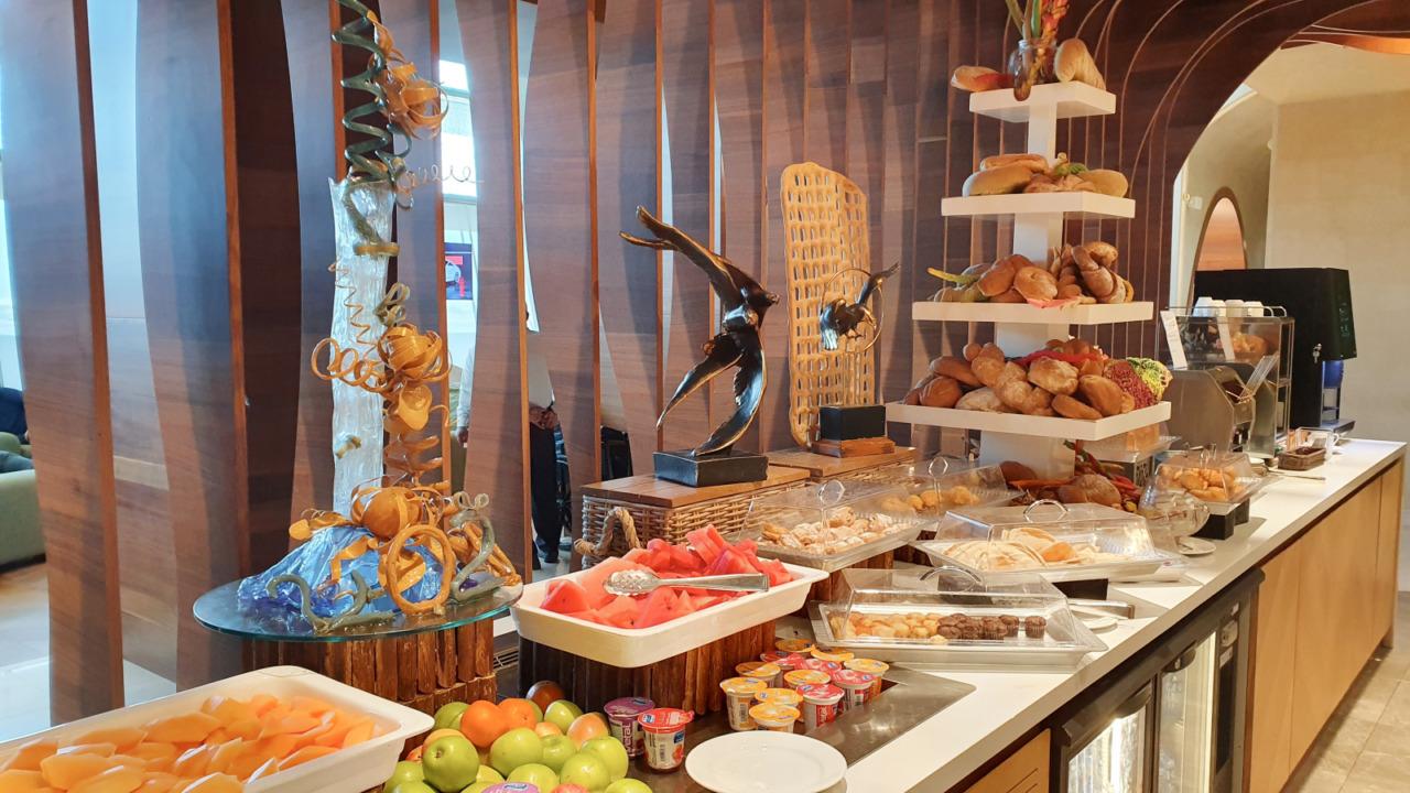 Muscat lounge food