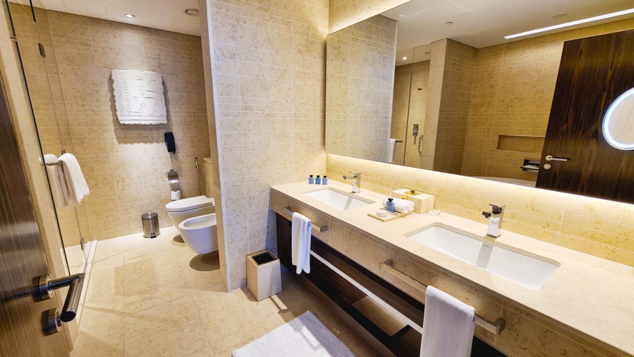 Sofitel Dubai Obelisk bathroom